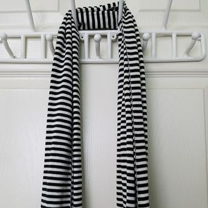 Gap - Skinny Black & White Scarf